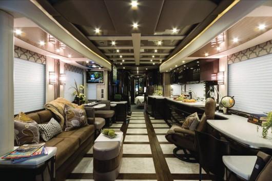 Американские роскошные кемпинг-автобусы