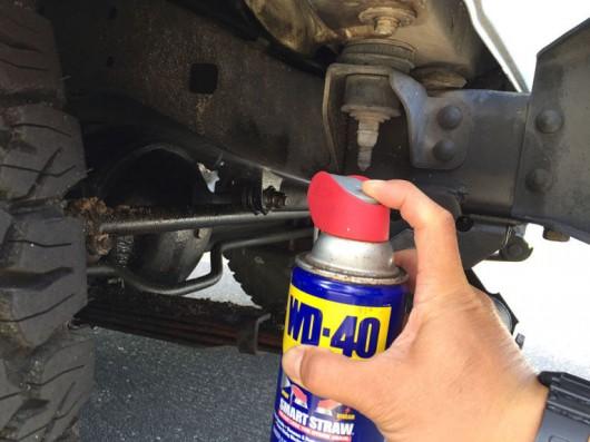 WD-40 предотвратить прилипание грязи к автомобилю
