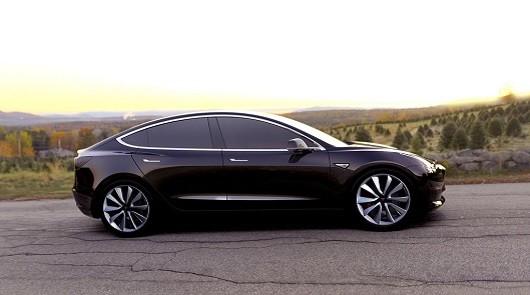 Tesla Model 3 уже собрала более 250 тыс. предзаказов