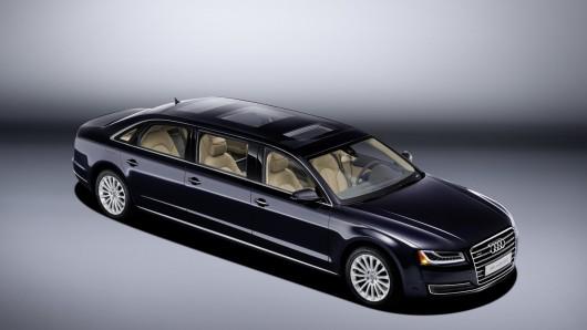 Audi представила ультра-длинный премиум седан A8 L