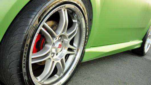 Диски и шины, почему лучше не покупать широкие покрышки и большие диски