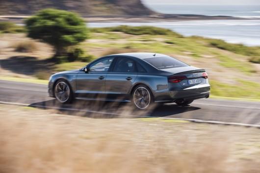 2016 Audi S8 Plus: Обзор конкурента Mercedes S600