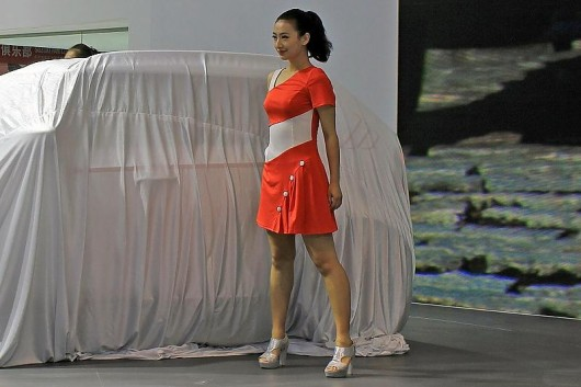 Девушки на Пекинском автошоу 2016 года