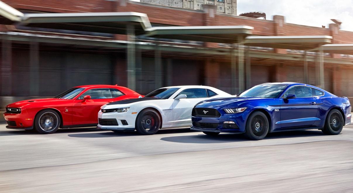 Полный провал. IIHS испытал безопасность Camaro, Challenger и Mustang