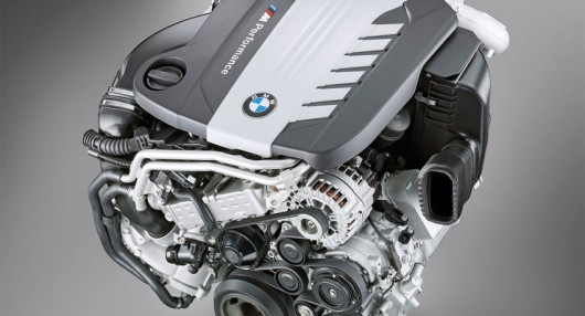 Новый дизельный шестицилиндровый двигатель BMW имеет четыре турбины