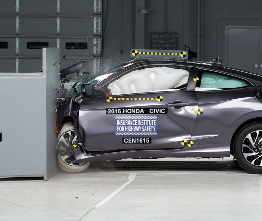 2016 Хонда Цивик получила высшую оценку безопасности