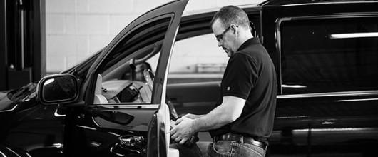 Как с помощью магнита найти признаки ржавчины или ремонта на кузове автомобиля