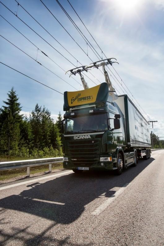 В Швеции построена первая в мире электрическая дорога