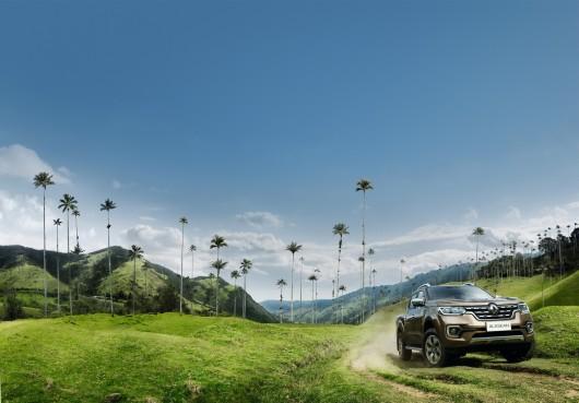 Официальная премьера первого в истории Рено пикапа: Технические характеристики и фотографии