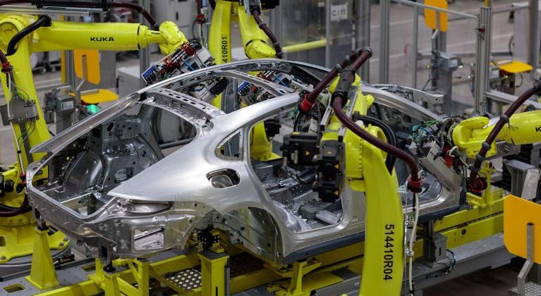 Новая японская сталь делает автомобили легче и прочнее