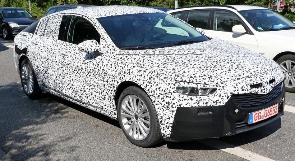 Первые шпионские фотографии 2017 Opel Insignia