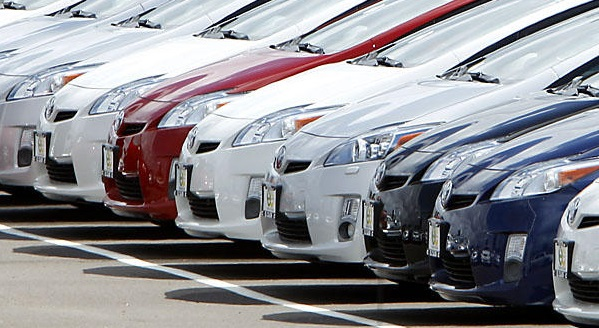 Цены на автомобили в России выросли за год на 17%