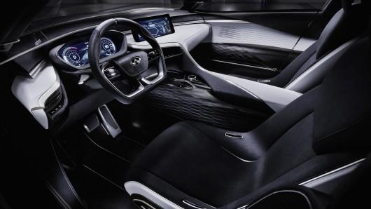 Замена для Infiniti QX50 покажут на автосалоне в Париже 2016