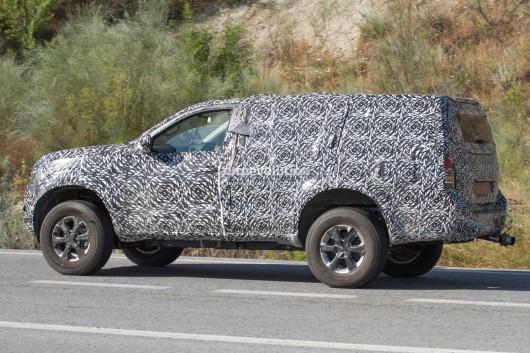 Новое поколение 2019 Nissan Pathfinder показало свой обновленный вид