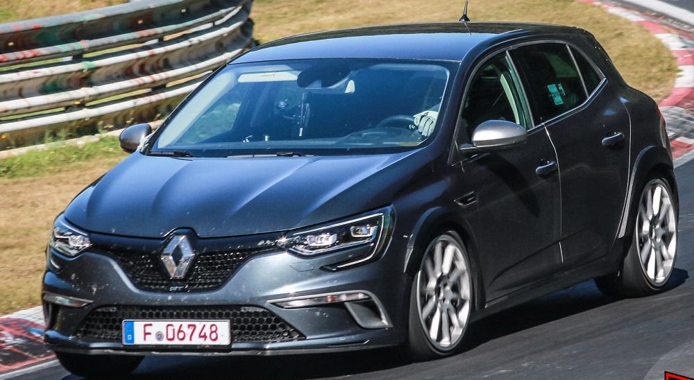 2018 Renault Megane RS проходит испытания на Нюрбургринге