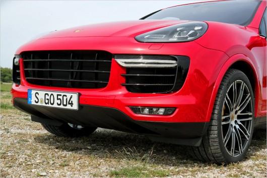 Тест-драйв: BMW X5 M против Porsche Cayenne Turbo S