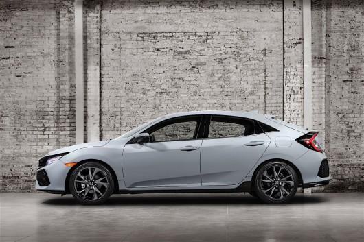 Honda показала свой новый хэтчбек Civic 2017 года