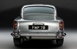 Самая крутая машина Джеймса Бонда
