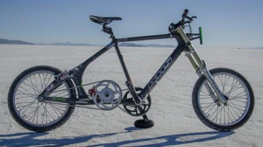 Разогнаться на велосипеде до скорости более 200 км/ч