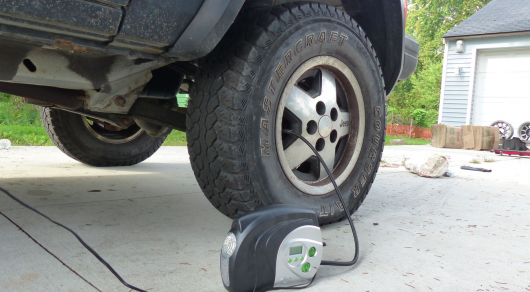 Самостоятельный ремонт прокола шины за 5 минут