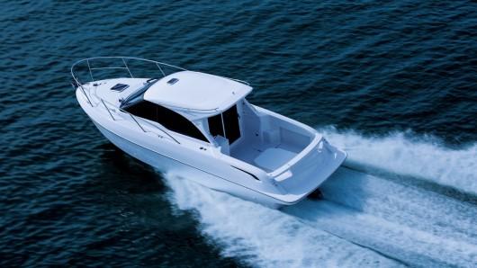 Тойота построила катер оборудовав его 260 сильным двигателем от Land Cruiser