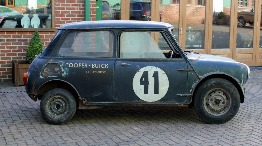 Один из самых необычных Mini Cooper с двигателем от Бьюика