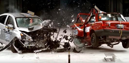 Краш-тест: Старый автомобиль против нового