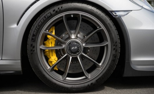 Топ-5 самых красивых заводских автомобильных дисков