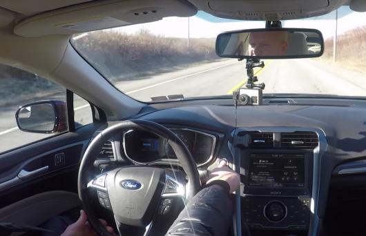 Вот что происходит если во время движения автомобиля нажать кнопку Старт / Стоп