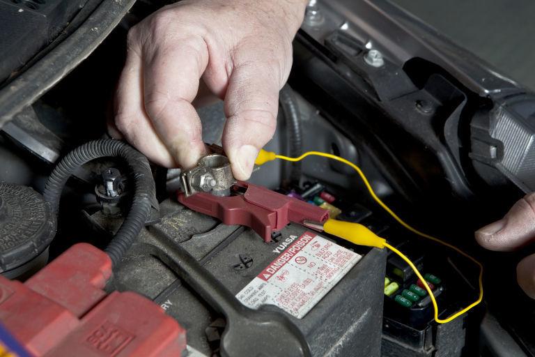 Замена кабеля аккумуляторной батареи порше Замена салонного фильтра т4