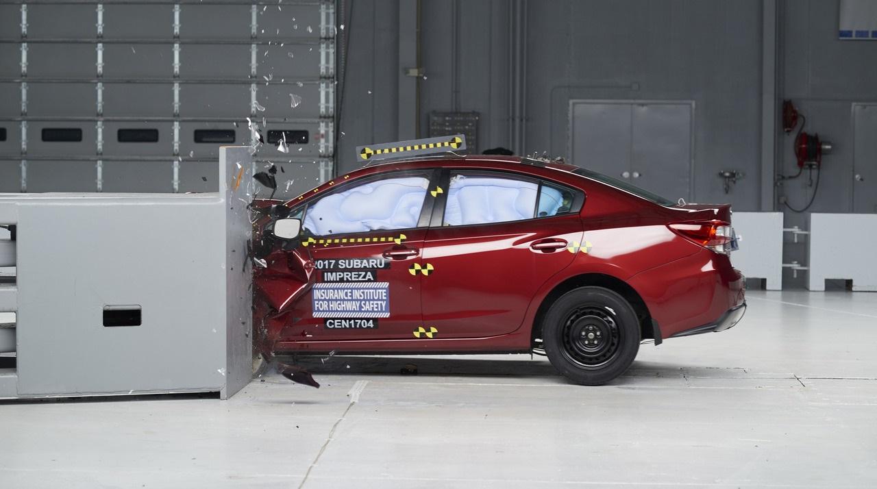 2017 Subaru Impreza подтвердила рейтинг Top Safety Pick+ в тестировании IIHS
