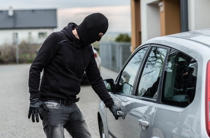 Почему современные автомобили беззащитные перед угонщиками?