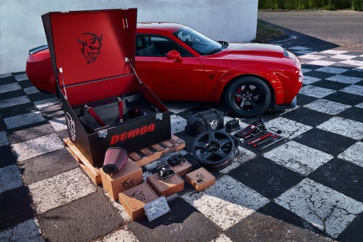 2018 Dodge Challenger SRT Demon самый быстрый серийный автомобиль в мире Фотографии, технические данные