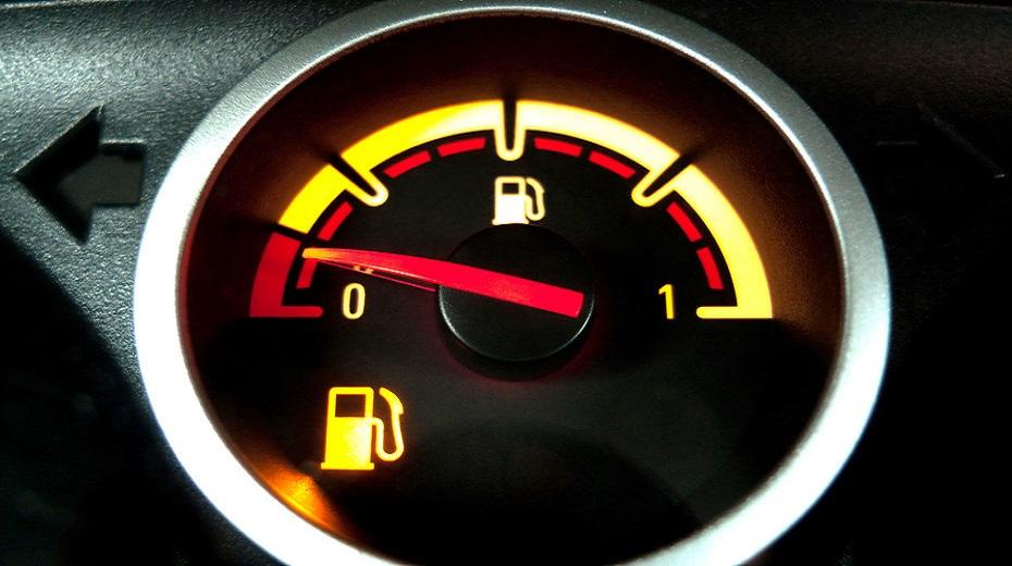Можно ли заводить машину на пустом баке?