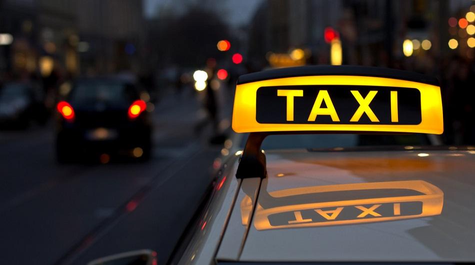 hochu-zanyatsya-seksom-v-taksi