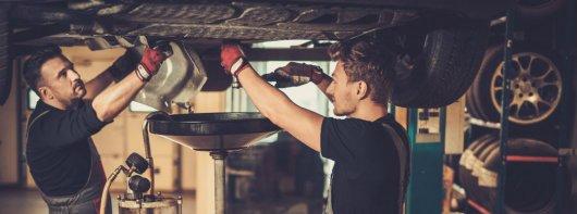 Смена масла в двигателе: Затраты, интервал замены и виды моторных масел
