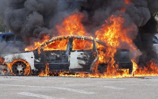 Жуткое видео дня: огненный ад на дороге возник из ниоткуда