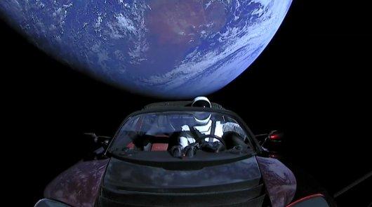 Полет родстера Tesla можно отследить при помощи этого сайта