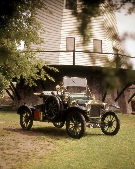 25 машин, которые изменили мир