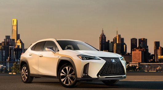 Lexus показал эксклюзивный самый дешевый кроссовер UX