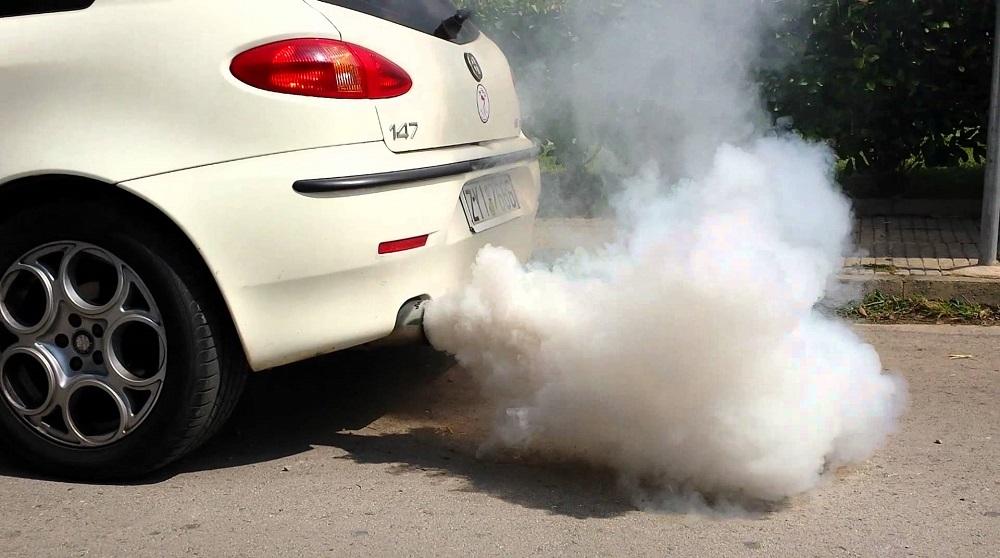 Картинки по запросу фото выхлопа газів з автомобіля