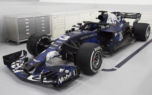 Новые автомобили F1 сезона 2018, их оформление и кадровые перестановки