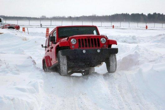 Как ездить по снегу и льду
