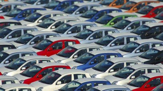 Продавать премиальные автомобили оказалось выгоднее
