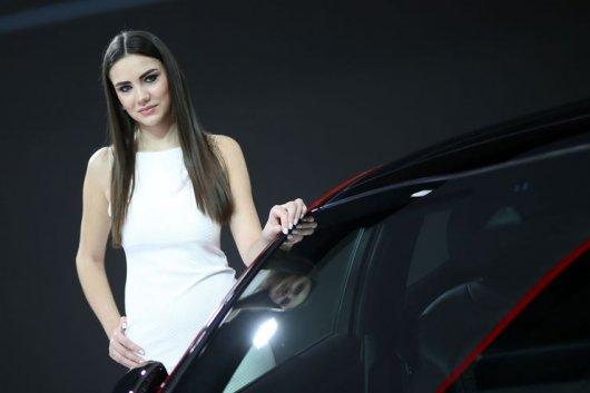 Самые горячие девушки автосалона в Женеве