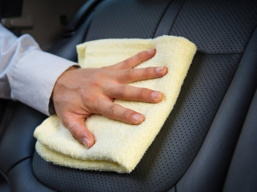 Лучшее средство для уборки за маленькими детьми в автомобиле: Совет месяца
