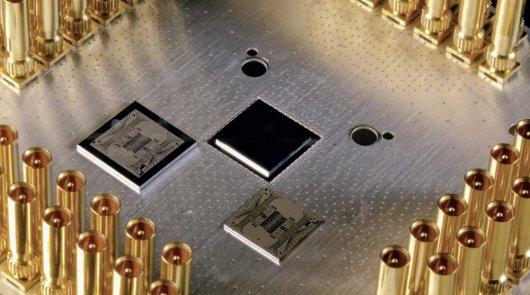 В разработке нового квантового компьютера Google поможет Daimler