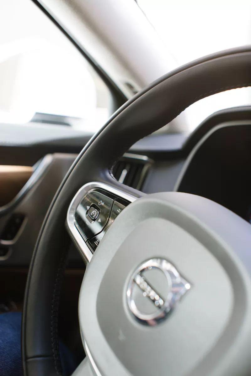 Почему адаптивный круиз-контроль и любые автономные технологии в автомобиле – это зло