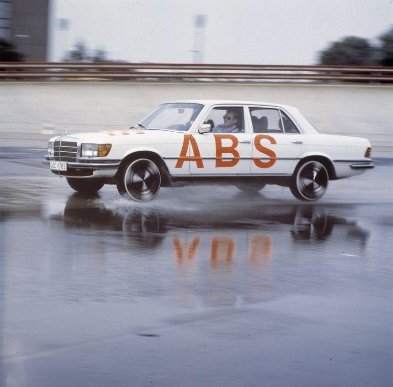 Вот как 40 лет назад была изобретена антиблокировочная система тормозов