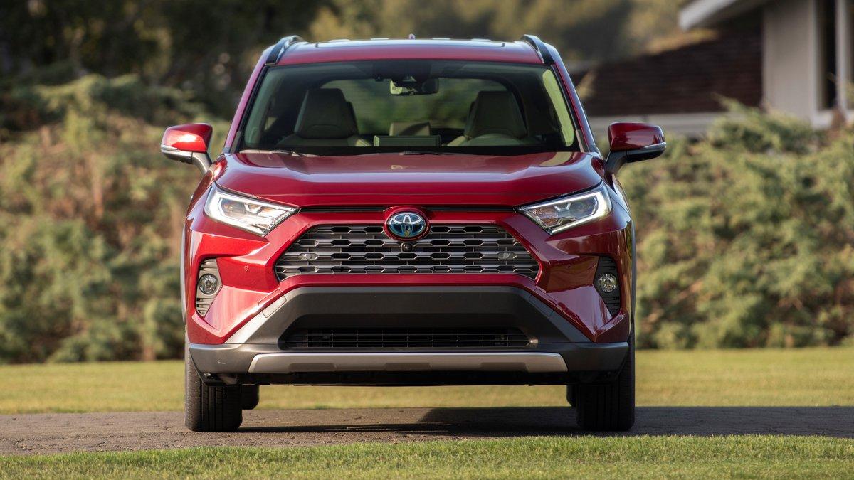 Toyota RAV4 — управление мечтой